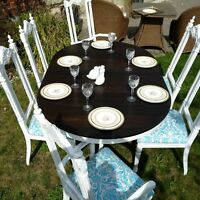 Distressed Round Table and 6 Chairs