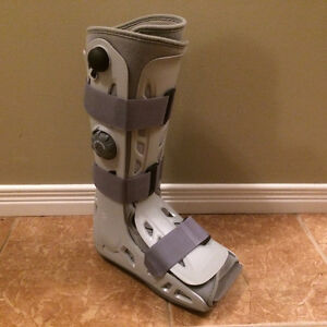 Aircast Boot - Right Foot (Large - Full Height)