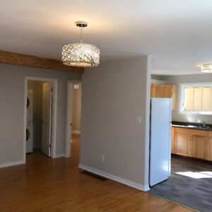 GANANOQUE, BEAUTIFUL 1 bedroom APARTMENT AVAILABLE