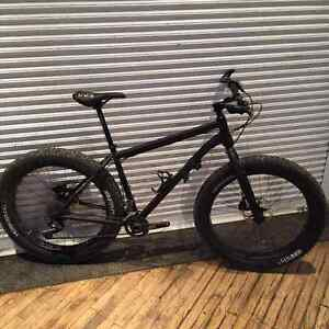 Salsa Fatbike with TONS of extras - ENVE / Fizik / 44 North...