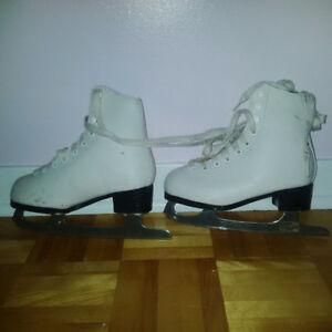 10$ Patins pour fille .. 10$ Girl Junior Skates
