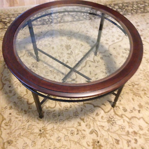 Nice quality coffee table with heavy metal base