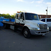 2005 International 4300 flat bed tow truck with wrecker