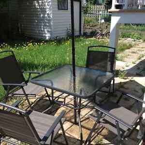 Set de table et chaises d'extérieur