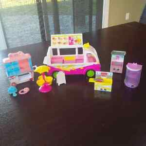 Shopkins - The Ultimate Collection and Accessories Set Windsor Region Ontario image 10
