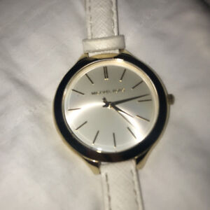 Michael Kors for Women Watch Pre-Owned Gold 100$ White 80$