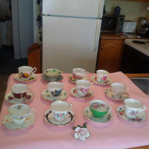 12 ANTIQUE MIXMATCHED TEA CUPS AND SAUCERS