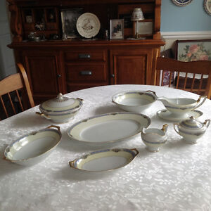 7 serving pieces of Thomas Bavaria China
