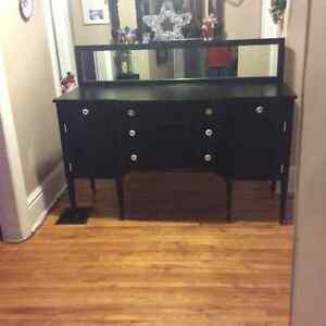 Antique sided board /tv stand Cambridge Kitchener Area image 1