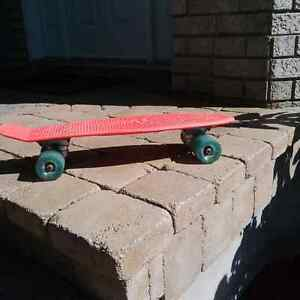Planche a roulettes GAME - 4 roues ABEC5