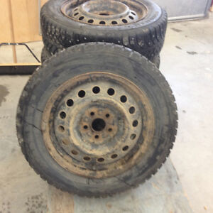 185 65 15 studded winter tires 5x100 Gatineau Ottawa / Gatineau Area image 1