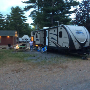 35 ft FREEDOM EXPRESS BUNKHOUSE