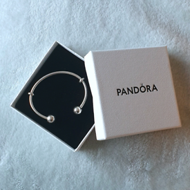 Stunning Sterling Silver Pandora bangle bracelet size 16 (small)