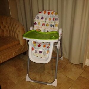 Mamas and Papas Highchair, excellent condition