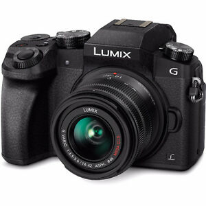 Panasonic Lumix G7 with Kit Lens (black)