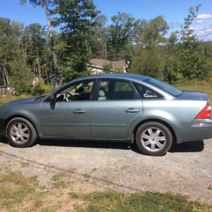 2005 Ford Five Hundred AWD  1000$
