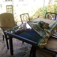 6 chaises et table Lazy Boy