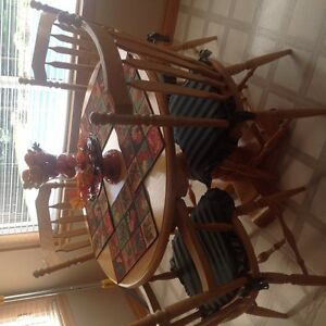 round oak dinner table and 4 chairs Peterborough Peterborough Area image 1