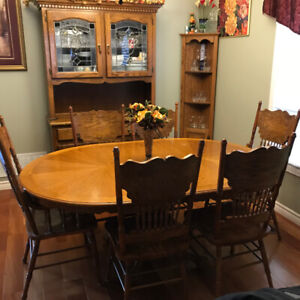 Solid Oak Dining Table Set with hutch and cabinet $575 obo