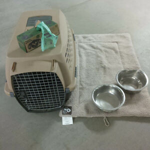 Dog crate + extras