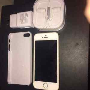Iphone 5s 64 GB and unlocked
