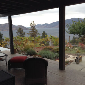 Cute house with amazing view in Peachland