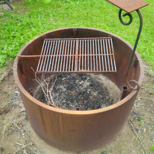 EXTREME OUTDOOR FIRE PIT, LAST FOR EVER. ONE INCH ROLLED STEEL