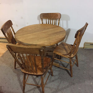 Table and 4 Chairs from Bass River Chair Company