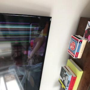 """Television 70"""" Vizio SmartCast vitre brisée"""