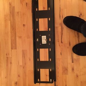 Wall Bracket for mounting flat screen TVs