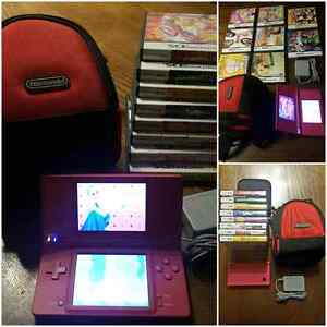 VERY CLEAN NINTENDO DSi PACKAGE / ENSEMBLE TRES PROPRE DSi