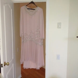 Robe de soiree/Formal evening dress