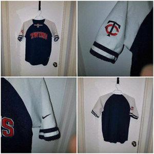 Nike Minnesota twins jersey (size large youth)