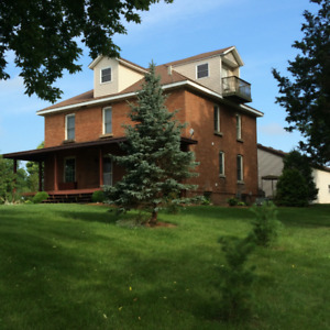 34.15 ACRE HOBBY FARM ON THAMES RIVER