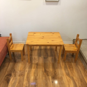 Kids Table and Chair Set Made of Solid Pine