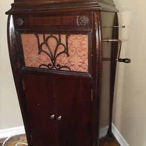 1926 McLagan Phonograph with record collection