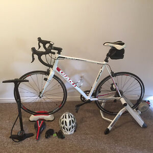 Brand New GIANT DEFY 1 - XL with helmet, home trainer, & pump!