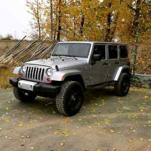 2013 Jeep Wrangler Sahara loaded