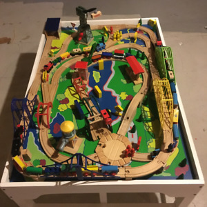 Thomas Train set with table -about 300 pieces
