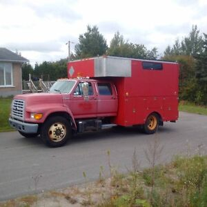 1999 Ford F-800 Autre