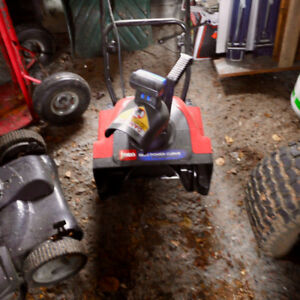 Toro electric snow thrower