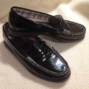 Ladies Black Patent Leather Sperry Topsider Loafers 7 1/2