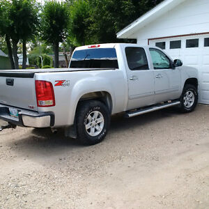 2012 GMC Sierra 1500 SLE Pickup Truck/ Trade for diesel