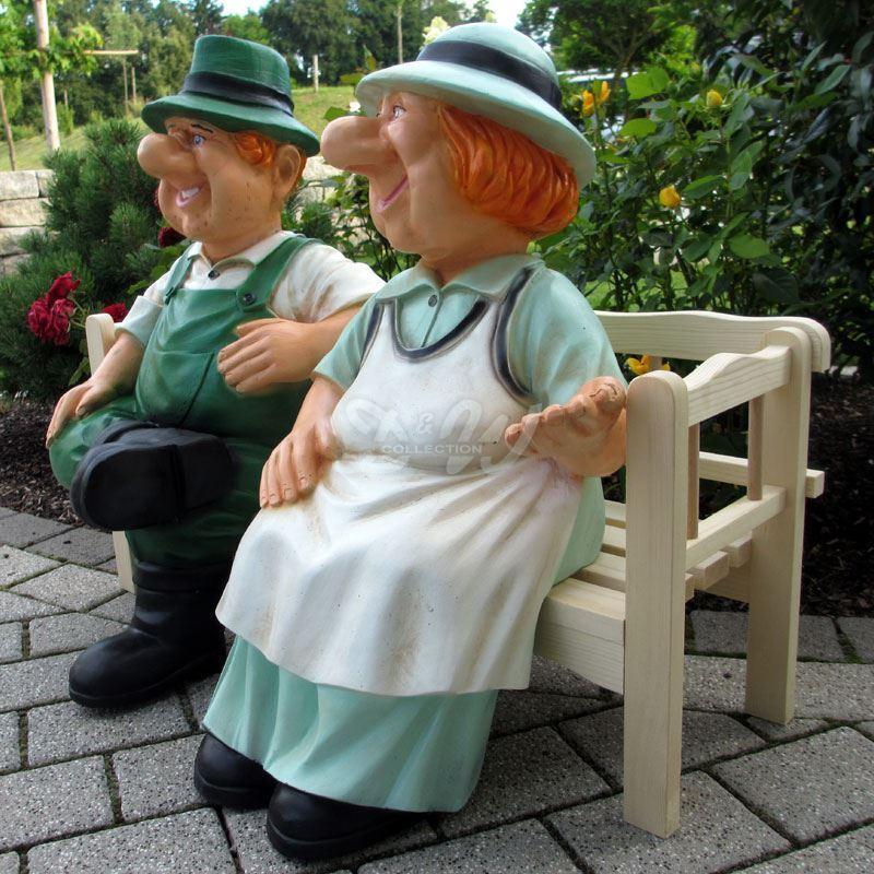 BAUER HEINZ BÄUERIN JUTTA auf HOLZ BANK sitzend OMA OPA Garten Deko Figuren