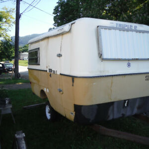 1977  14  FT. Triple E Trailer  Project.   Needs work.