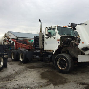 Parting out 1999 International 2674
