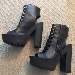 SPRING BLACK SHOES BRAND NEW NEVER WORN!!