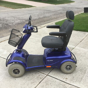 Like-new Invacare meteor mobility scooter heavy duty