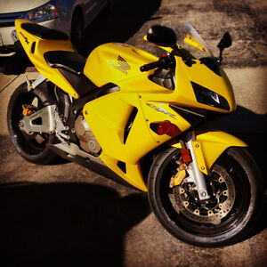 2003 CBR600RR MINT LOW KM 2ND OWNER