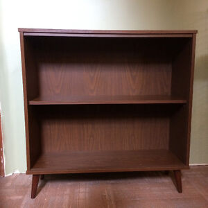 Wood Cabinet with two glass sliding doors - excellent condition